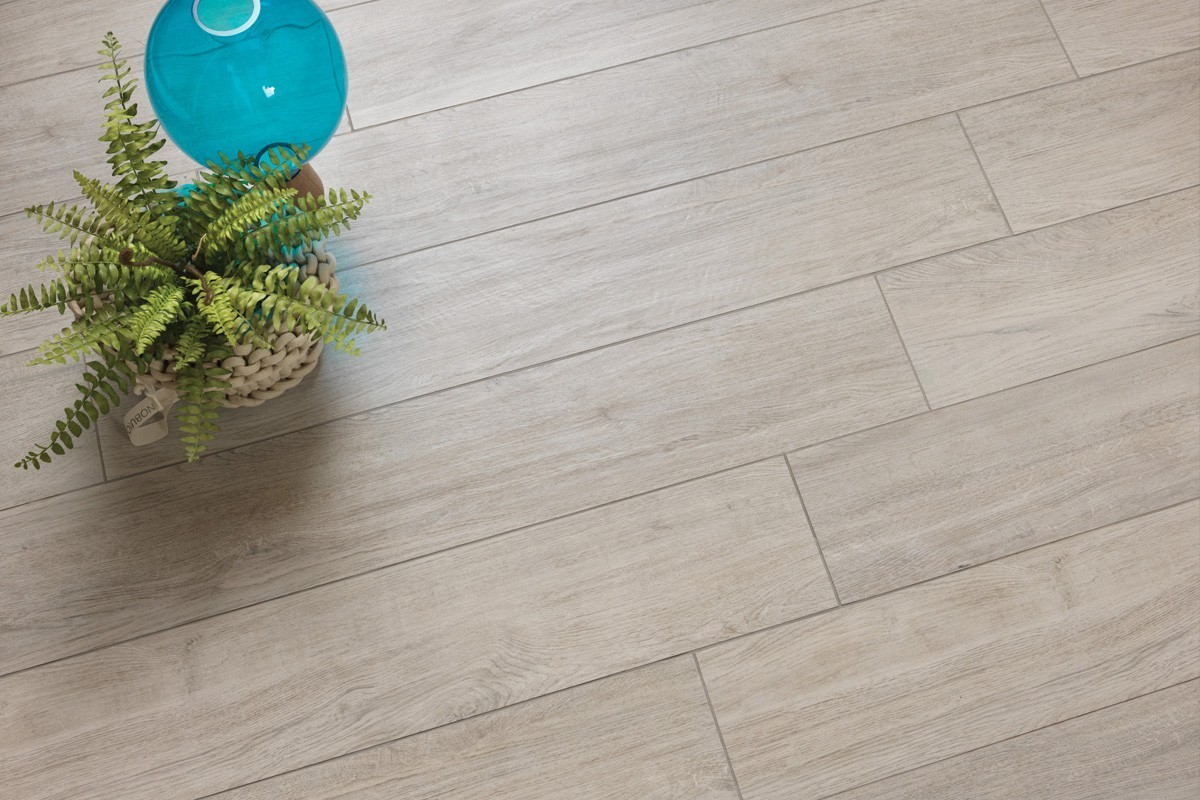 Carrelage imitation parquet gris mo 1003 30x120 for Carrelage vs parquet