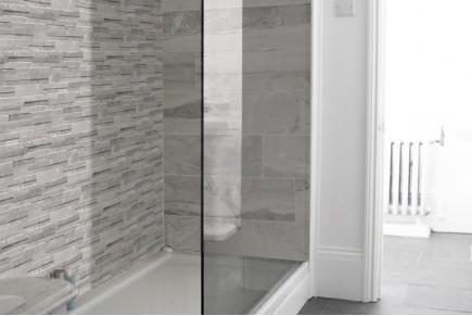 Gres porcellanato effetto marmo botticino beige 30x60 - Piastrelle grigio scuro ...