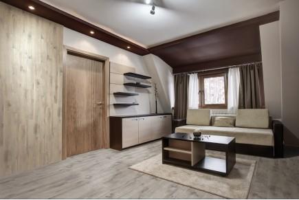 Wood effect floor tiles - Grey