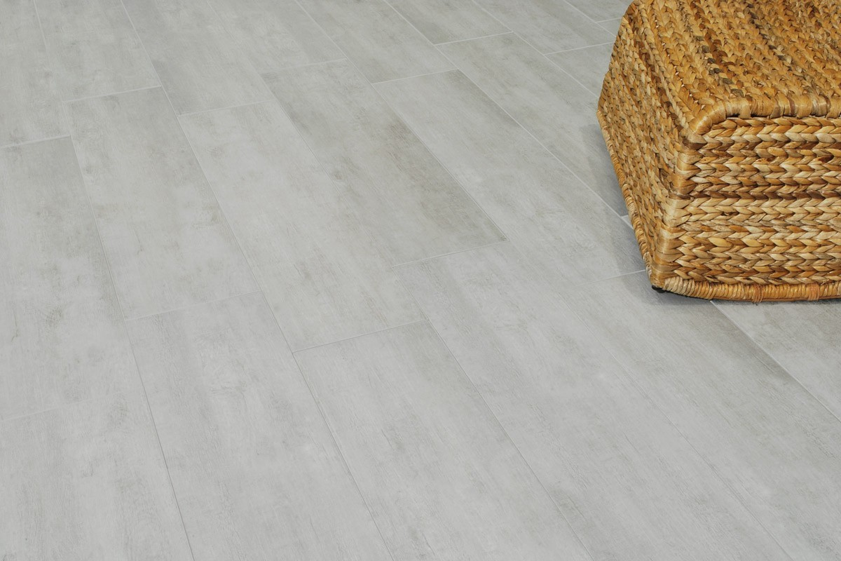 Gres porcellanato effetto legno habitat grigio 21x85 for Gres parquet