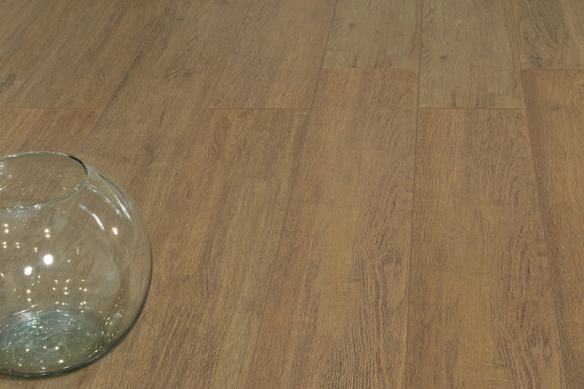 Gres porcellanato effetto legno Treverk Castagno 20x120