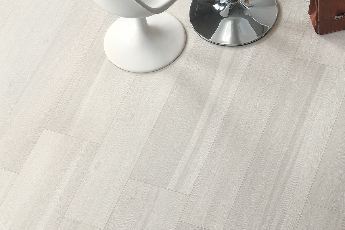 Gres porcellanato effetto legno signum larice sbiancato 20x120 - Piastrelle simili al parquet ...