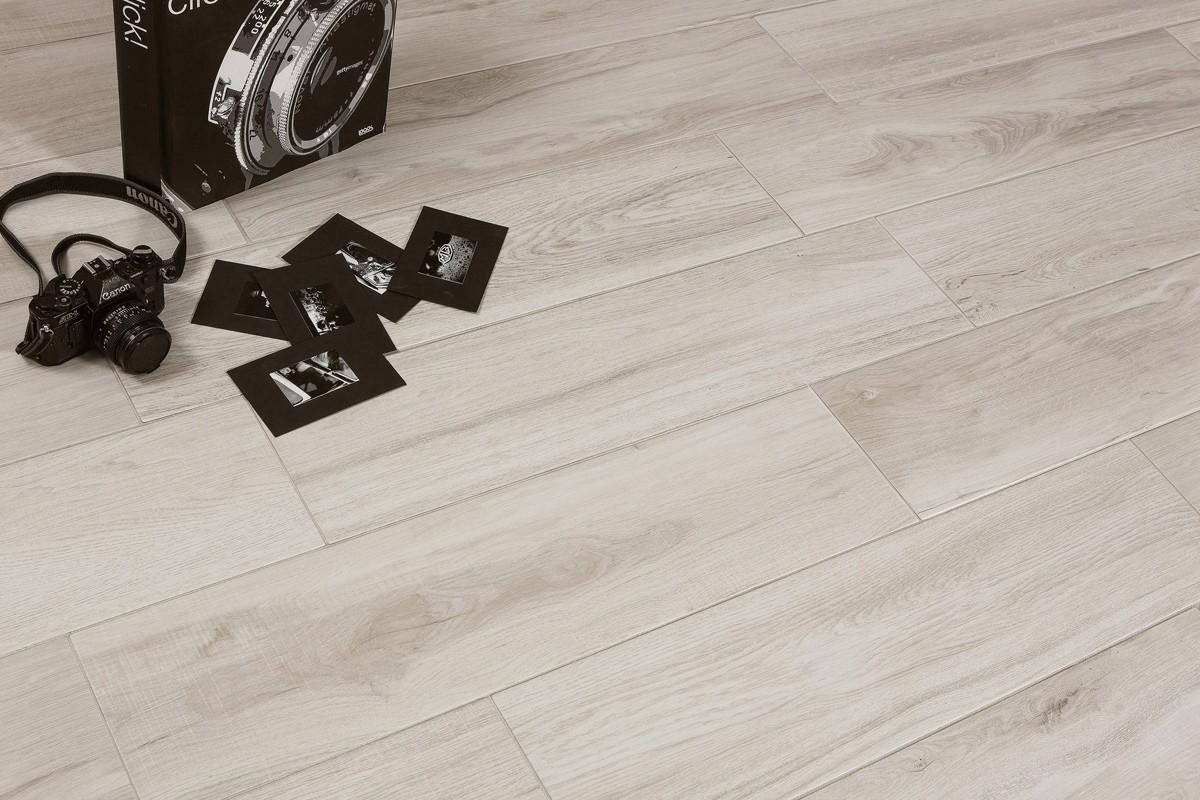 Pavimenti Effetto Legno Bianco : Gres porcellanato effetto legno tree bianco ceramiche crz