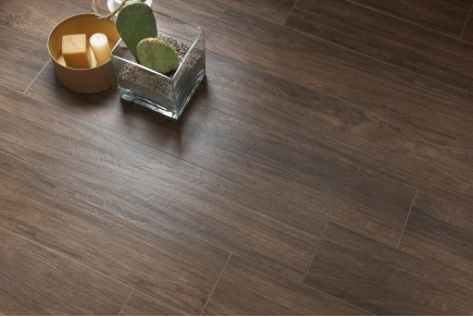 Wood effect floor tiles wengé