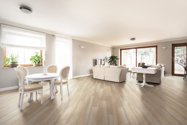 Wood effect floor tiles - Light nut