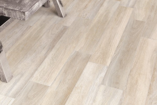 Wood effect floor tiles - Whitened