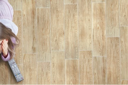 Wood effect floor tiles rosé