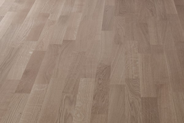 Wood effect floor tiles oak