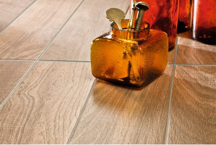 Wood effect porcelain stoneware - chestnut