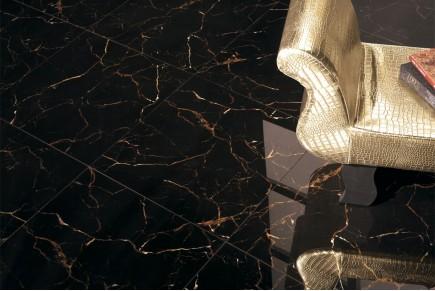 Grès cérame effet marbre marron sombre