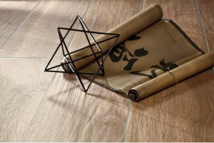 Holzeffekt Feinsteinzeug - Kastanienbraun