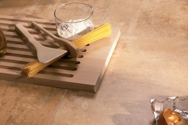 Metal effect tiles - Ocre