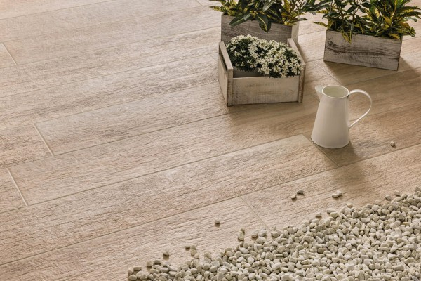Wood effect floor tiles - Honey