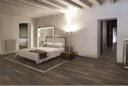 Wood effect floor tiles - oak