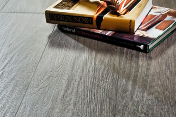 Wood effect porcelain stoneware - ebony