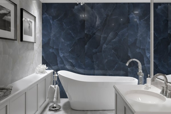 Glänzender dunkelblau marmor
