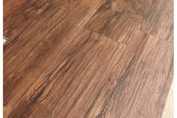 Wood effect floor tiles xilema cherry 20x80 by for Carrelage xilema